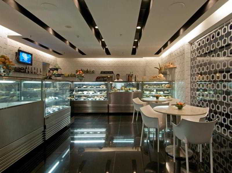 Restaurant Vivanta By Taj Whitefield