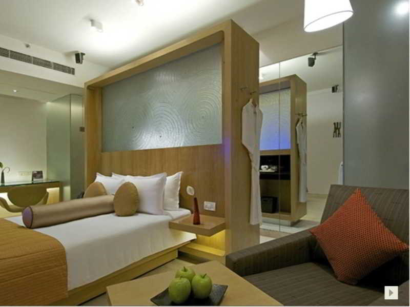 Room Vivanta By Taj Whitefield