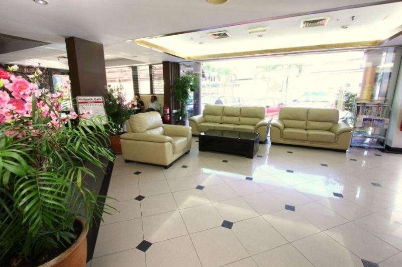 Lobby Hallmark Leisure Hotel