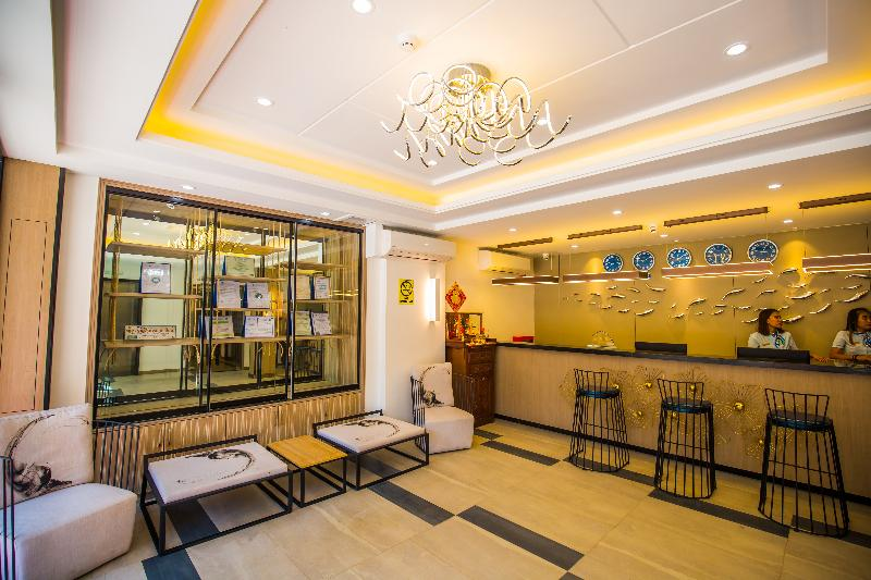 General view Erus Suites Hotel Boracay
