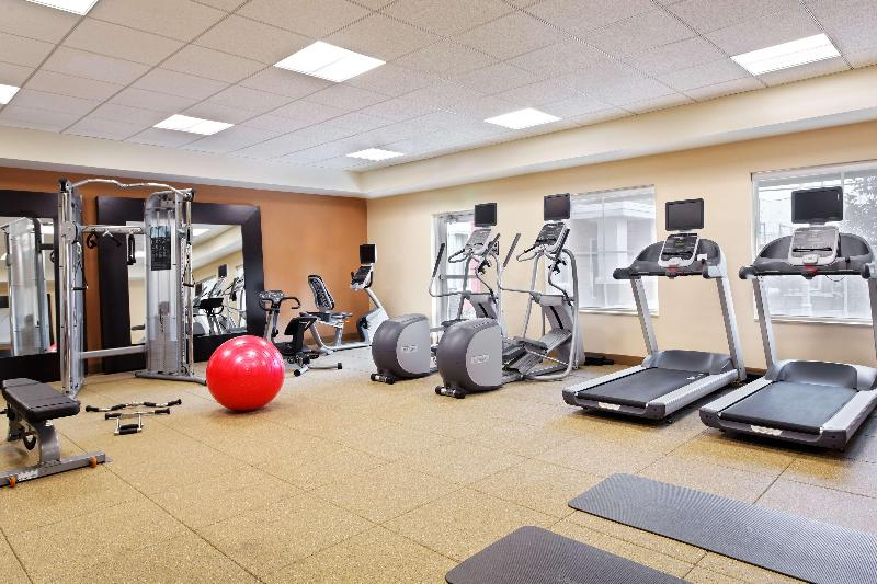 Sports and Entertainment Homewood Suites By Hilton Orlando Airport