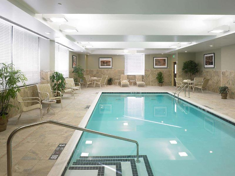 Pool Doubletree By Hilton Rochester - The Strathallan