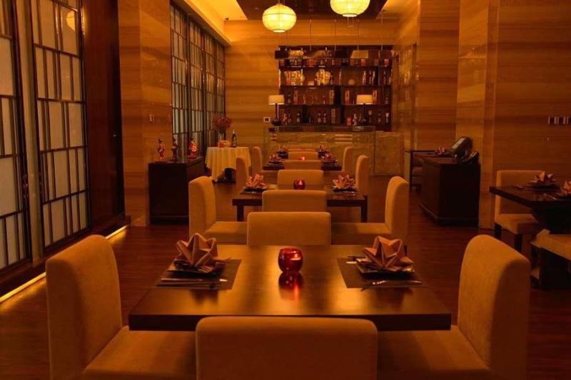 Wyndham Grand Plaza Royale Colorful Yunan Kunming - Pool - 2