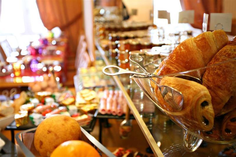 Best Western Premier Royal Saint Michel - Restaurant - 2
