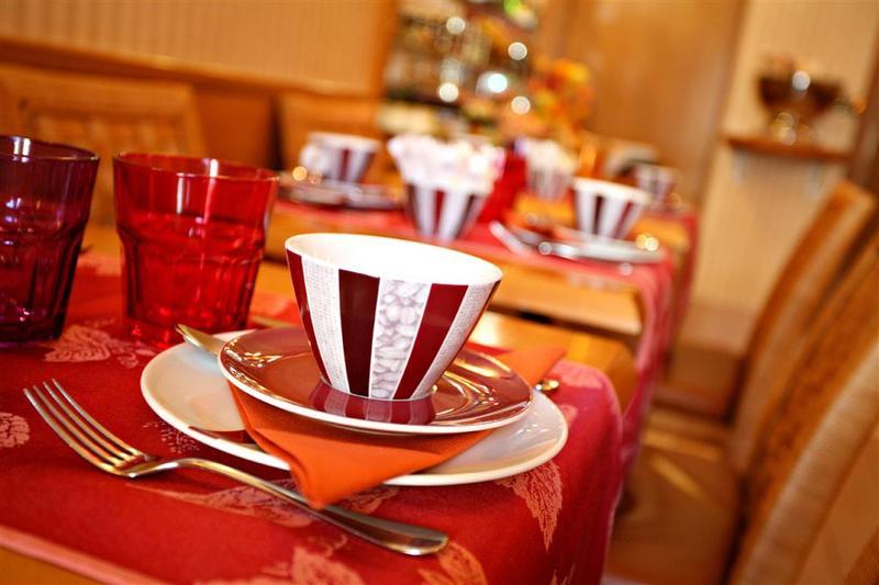 Best Western Premier Royal Saint Michel - Restaurant - 12