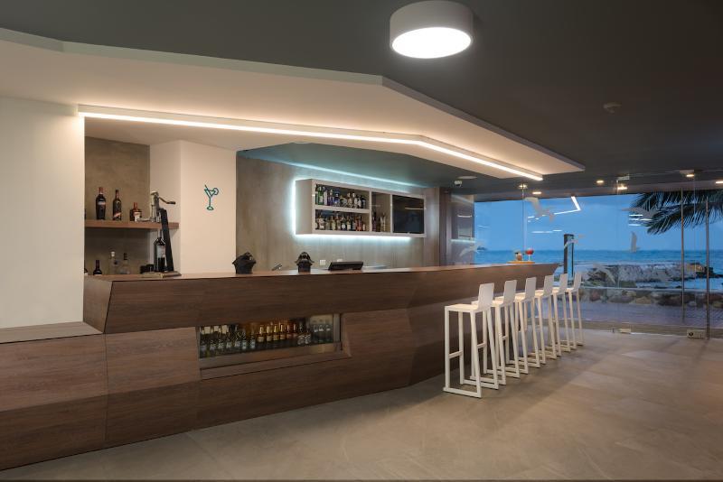 Calypso Beach Welcome - Bar - 3