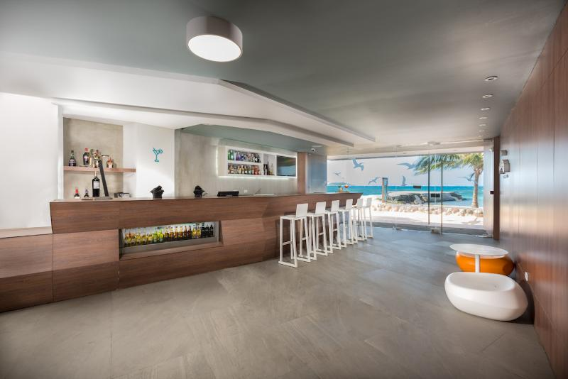 Calypso Beach Welcome - Bar - 11