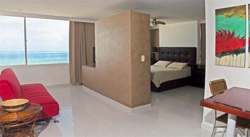 Calypso Beach Welcome - Room - 1
