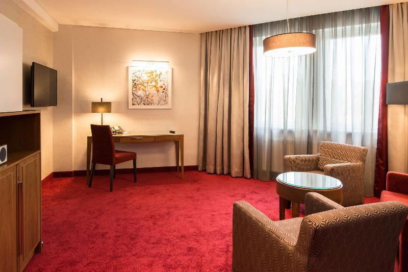 Room Best Western Plus Hotel St. Raphael