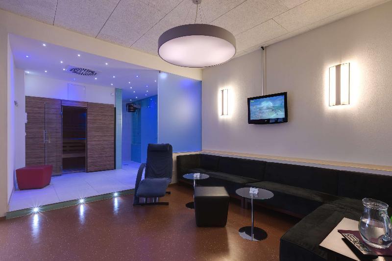 Sports and Entertainment Best Western Hotel Ambassador International