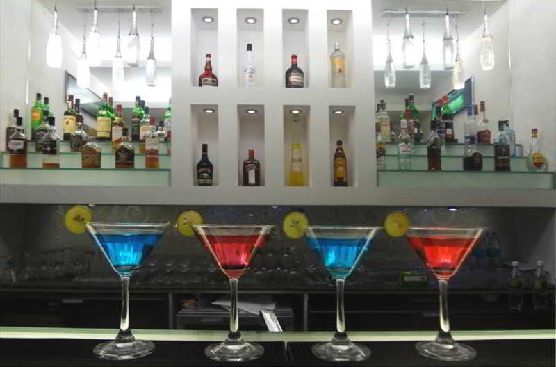 Bar Welcom Bella Vista Chandigarh Hotel
