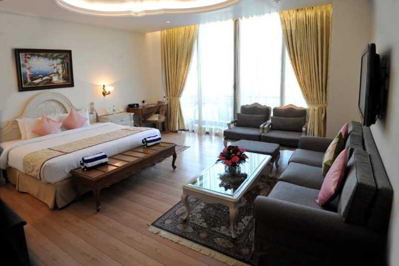 Room Welcom Bella Vista Chandigarh Hotel