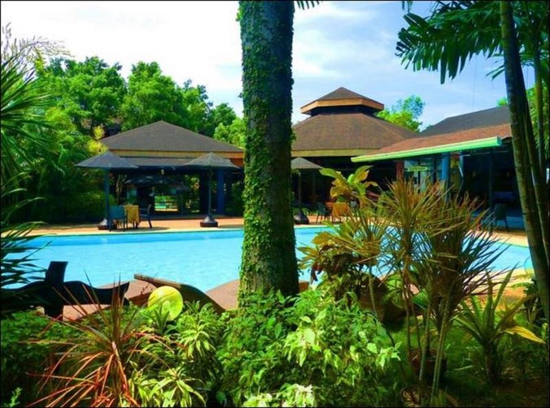 Pool Alta Cebu Village Garden Resort
