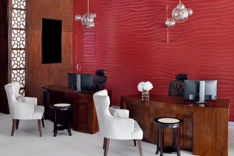 Lobby Mövenpick Hotel Apartments Al Mamzar Dubai