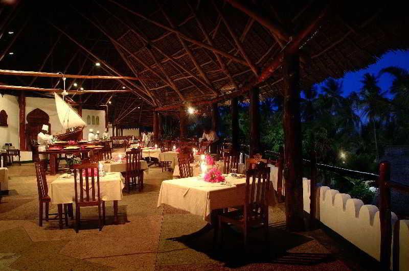 Restaurant Diamonds Mapenzi Beach