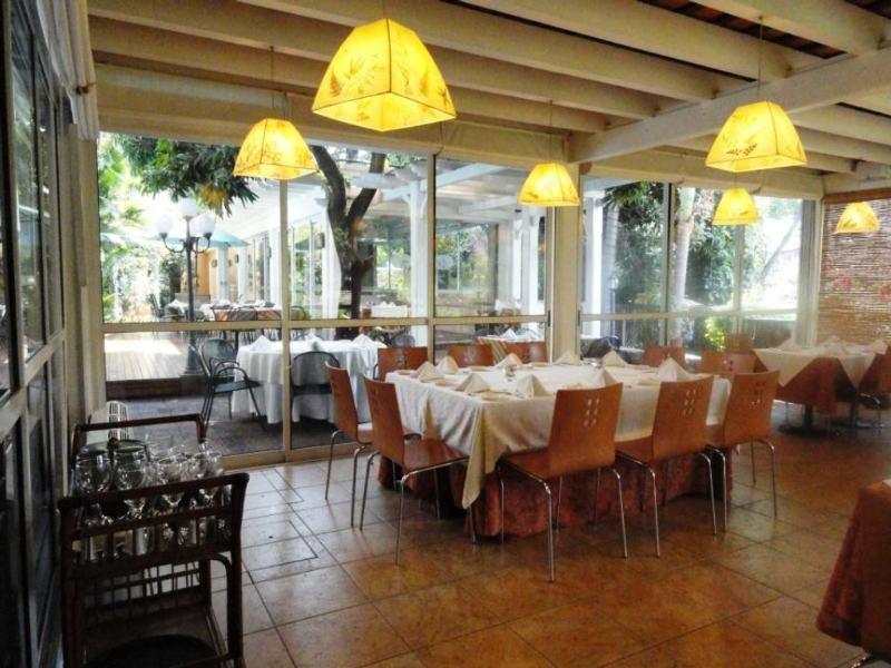 Restaurant Villamorra Suites