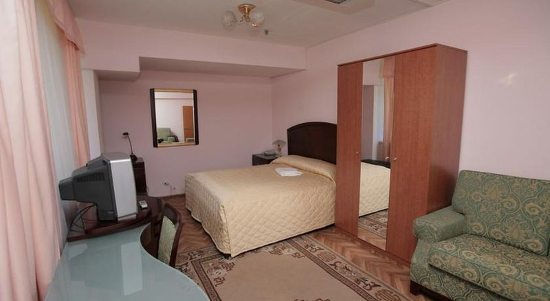 Room Avacha