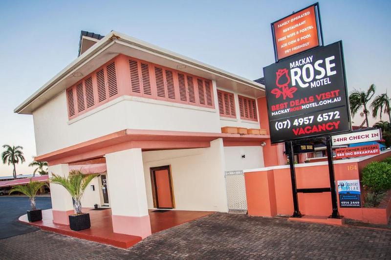 General view Mackay Rose Motel