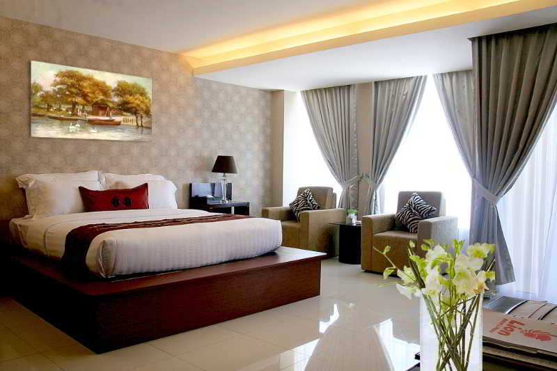 Room Lion Hotel & Plaza