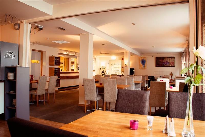 Best Western Svolvaer Hotel - Restaurant - 2