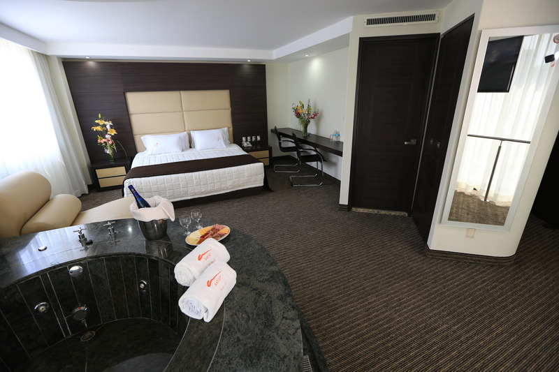 Junior Suite King Bed With Jacuzzi