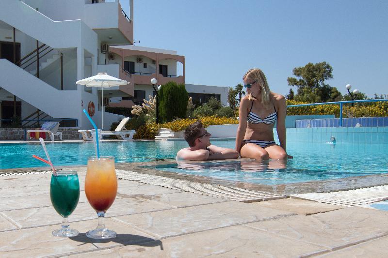 Pool Hercules Hotel