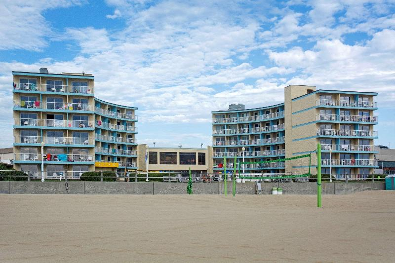 Quality Inn & Suites Oceanfront - Hotel - 1