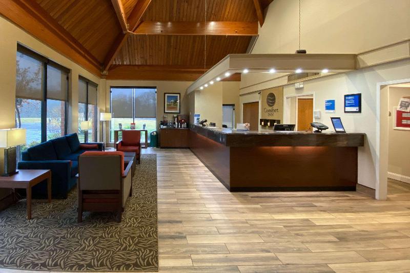 Lobby Comfort Inn Virginia Horse Center