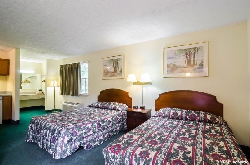 Econo Lodge Colonial - Hotel - 0