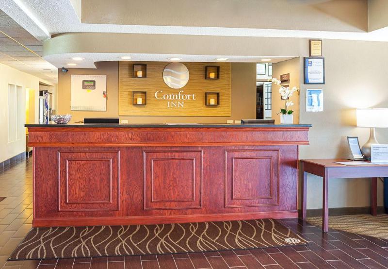 Comfort Inn Lincoln I-80 - Hotel - 1