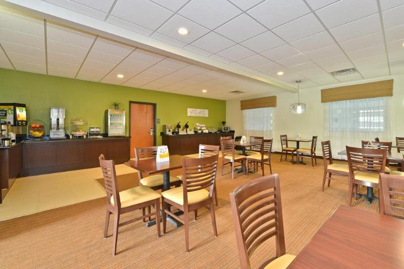 Sleep Inn & Suites Harrisburg - Hershey North - Hotel - 1