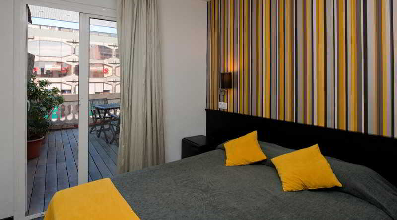 Room Urquinaona