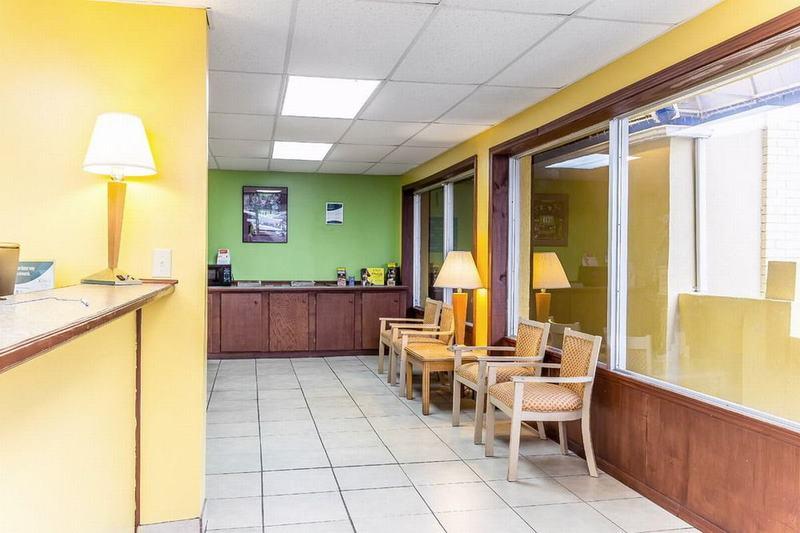 Rodeway Inn - General - 4