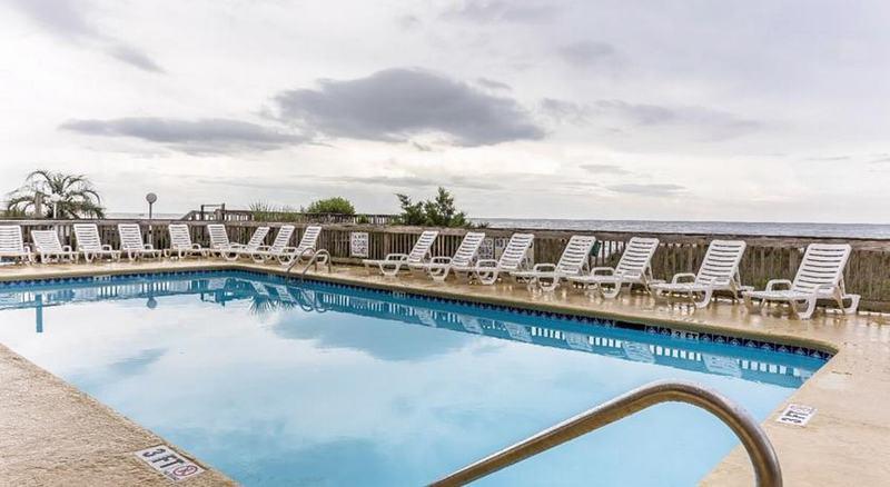 Rodeway Inn - Pool - 2