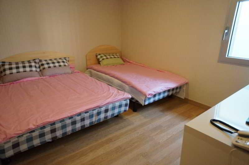 Room Click Hotel