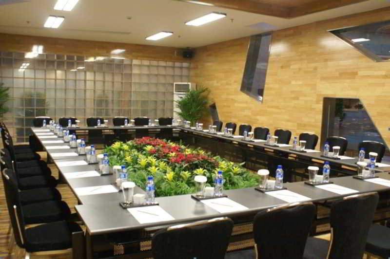Conferences Holiday Inn Binhai