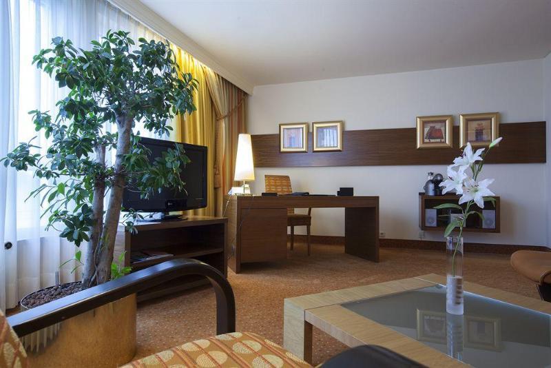 General view Radisson Blu Hotel Karlsruhe