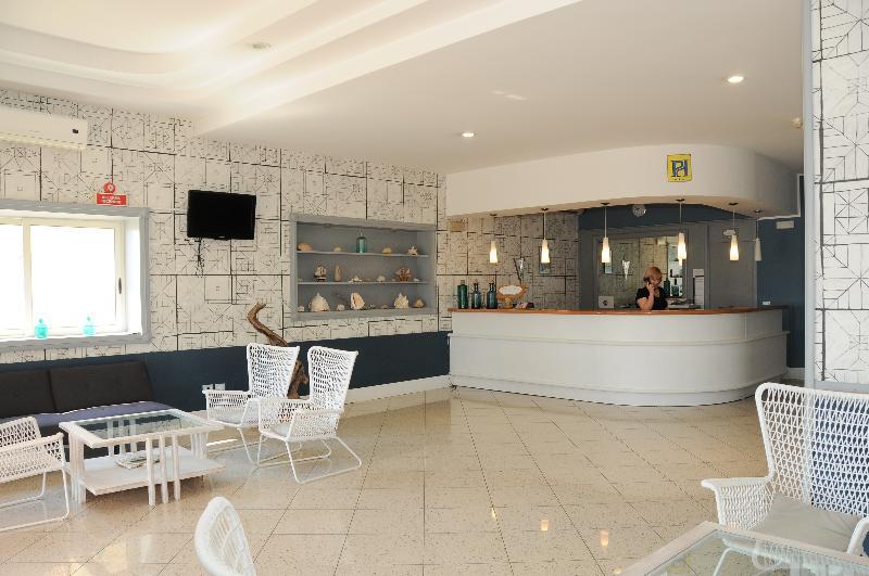 Lobby Perla Hotel