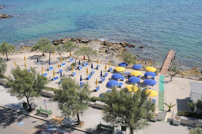 Beach Perla Hotel