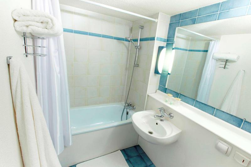 Campanile Le Havre Est - Room - 8