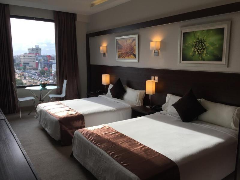 General view Weston Suites Hotel