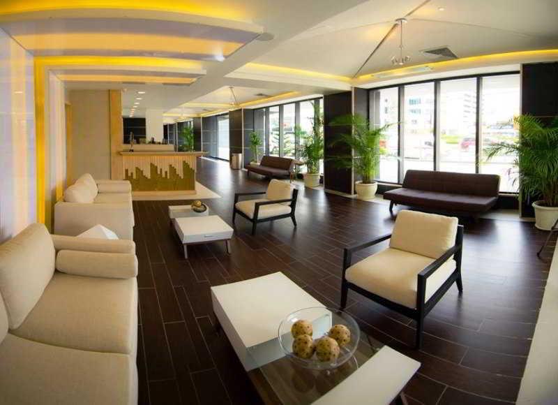 Lobby Weston Suites Hotel