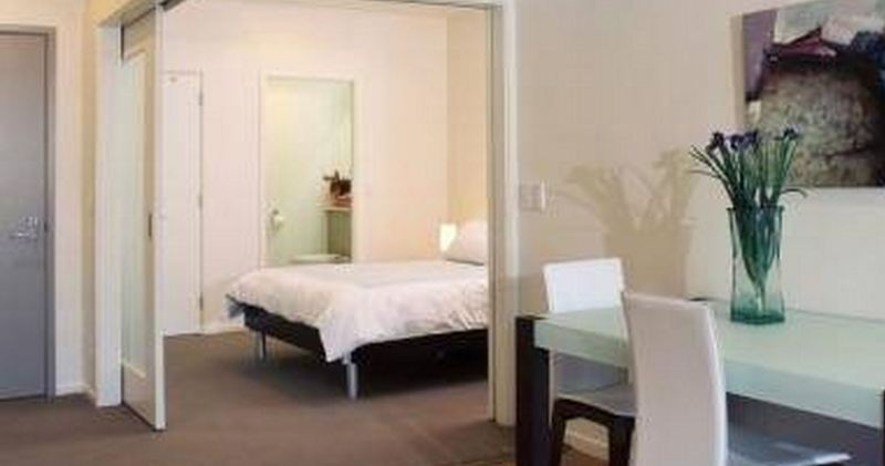 Room Quest On Lambton Serviced Apartment