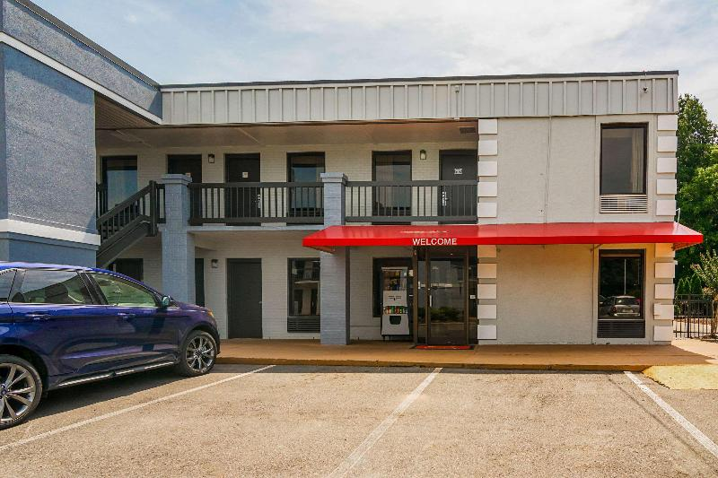 Econo Lodge Research Triangle Park - Hotel - 1