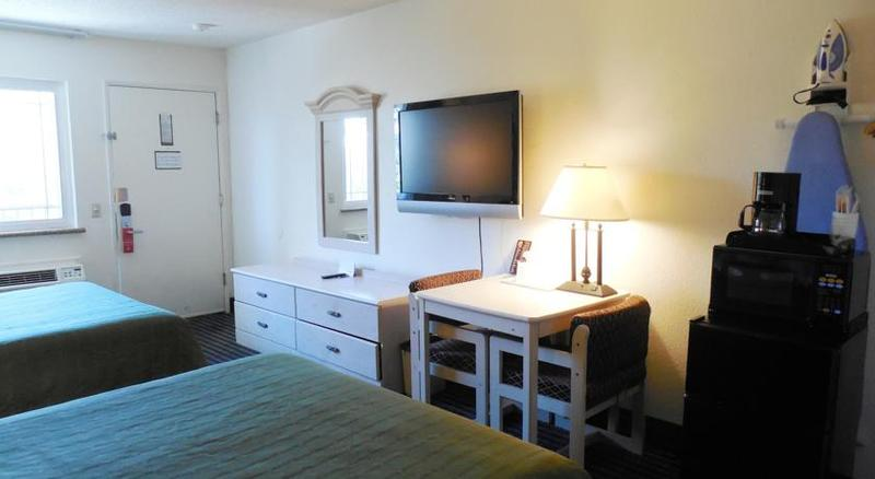 Room Super 8 By Wyndham San Diego Hotel Circle