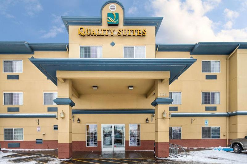 Quality Suites Near Convention Center - Hotel - 4