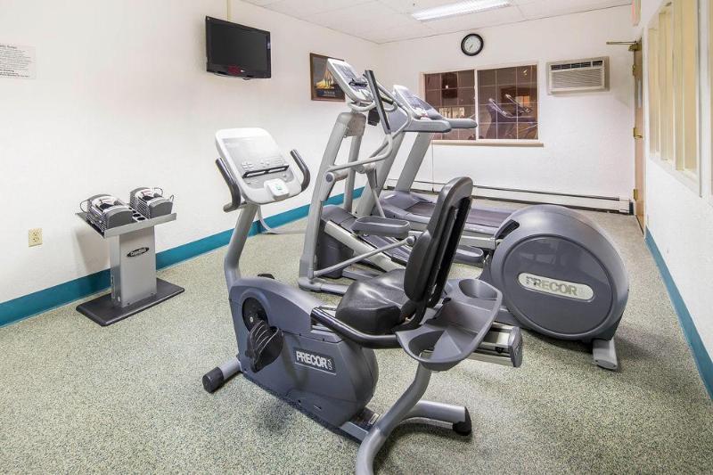 Quality Suites Near Convention Center - Sport - 3