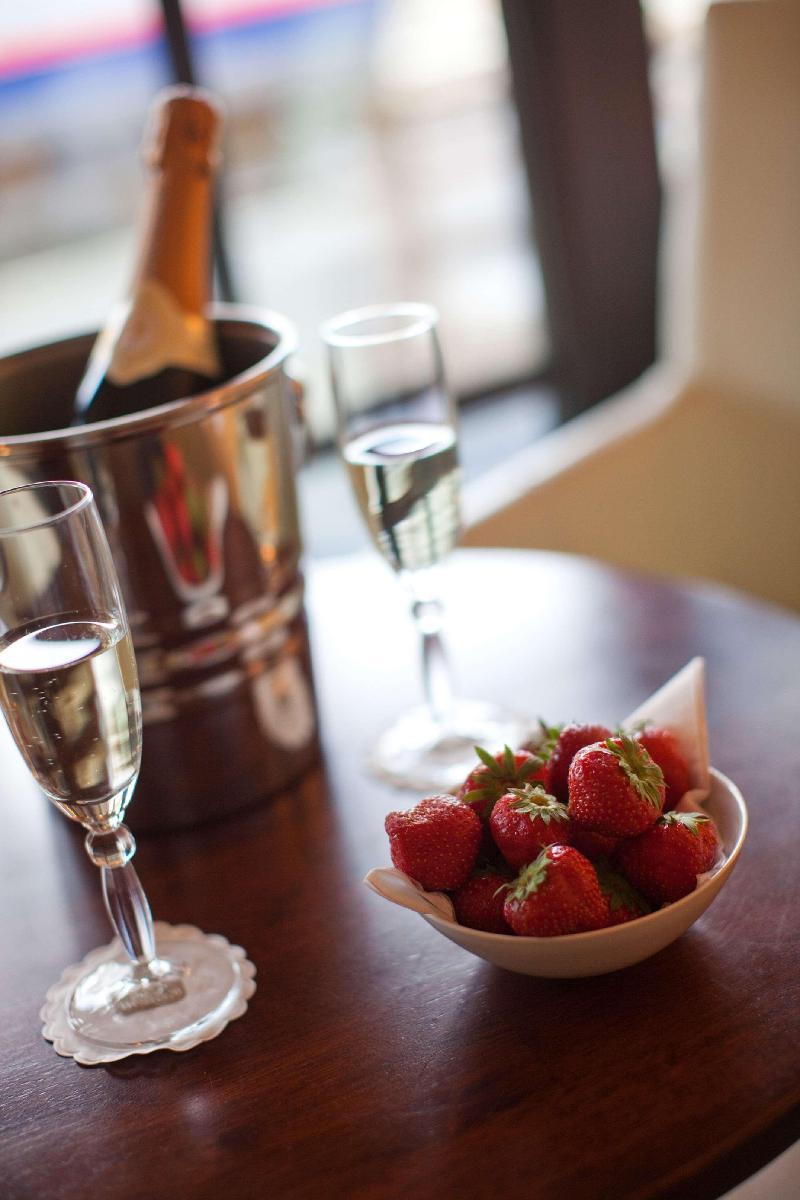BEST WESTERN PLUS Turnhout City Hotel - Bar - 2