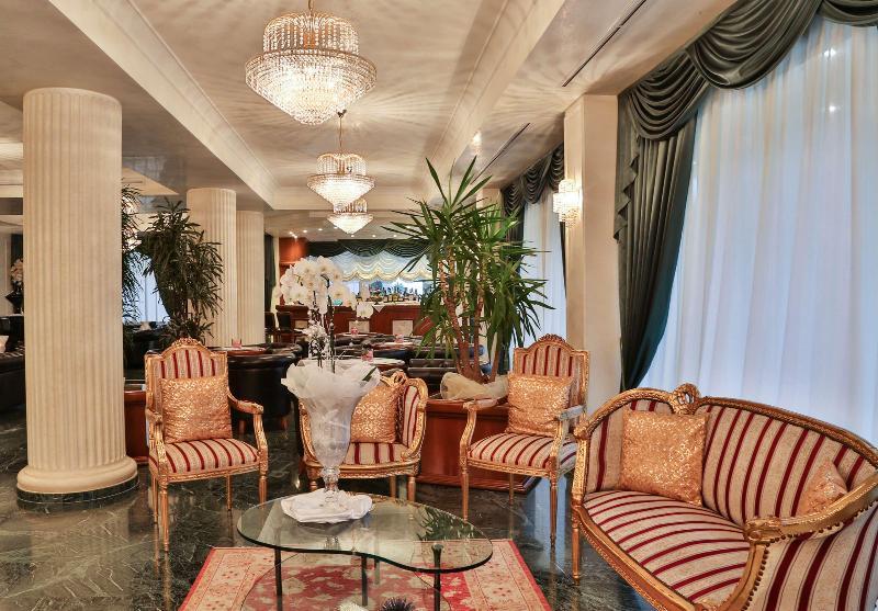 Lobby Best Western Hotel Globus