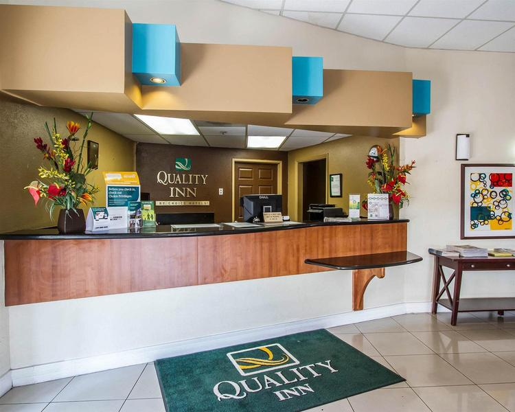 Clarion Inn - Hotel - 1